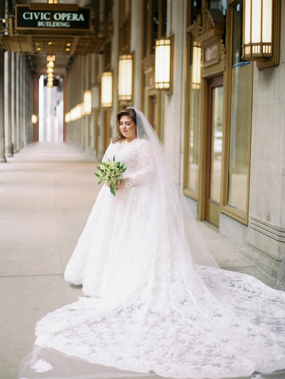 kristin-la-voie-photography-drake-hotel-chicago-wedding-photographer-28