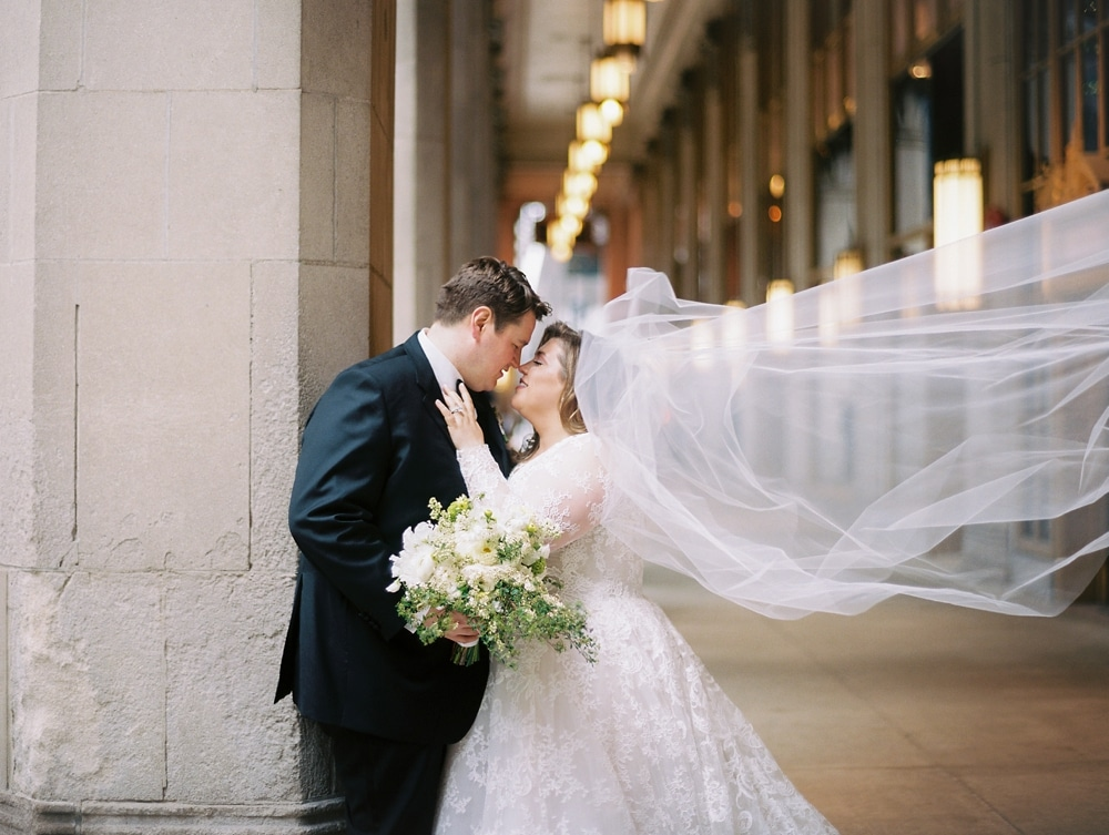 kristin-la-voie-photography-drake-hotel-chicago-wedding-photographer-3