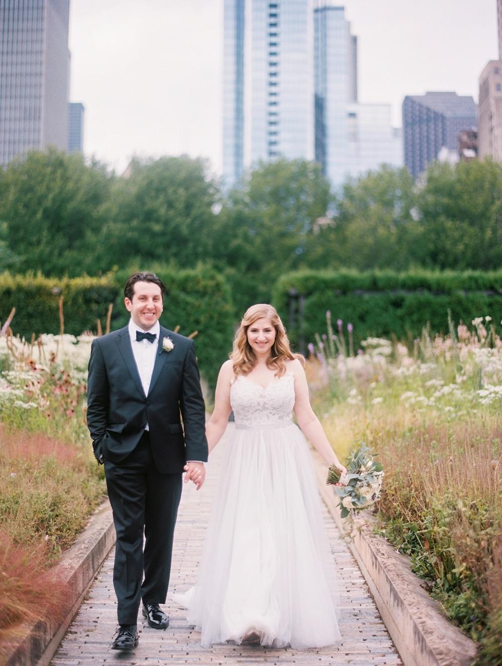 kristin-la-voie-photography-wyndham-grand-chicago-jewish-wedding-159
