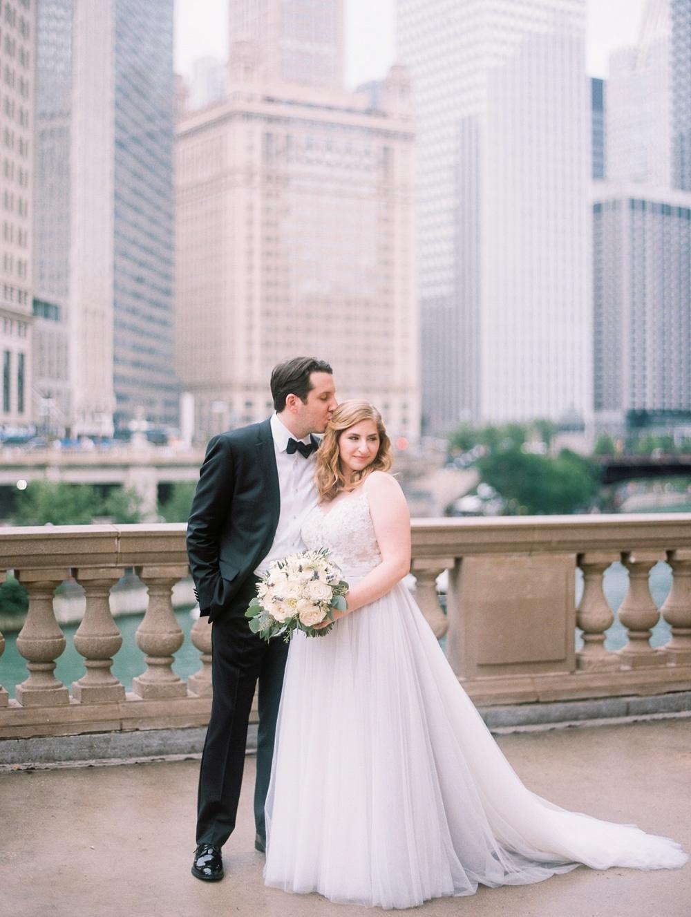 kristin-la-voie-photography-wyndham-grand-chicago-jewish-wedding-162