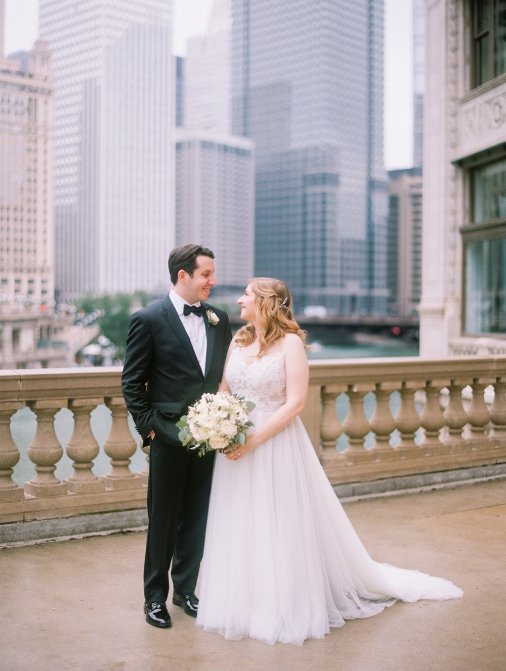 kristin-la-voie-photography-wyndham-grand-chicago-jewish-wedding-169