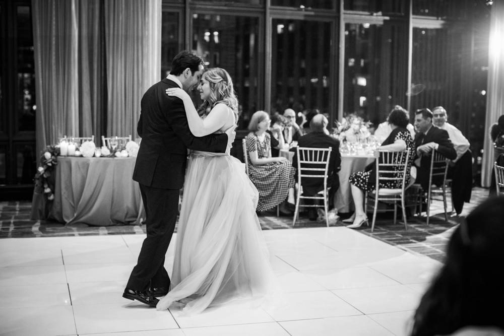 kristin-la-voie-photography-wyndham-grand-chicago-jewish-wedding-46