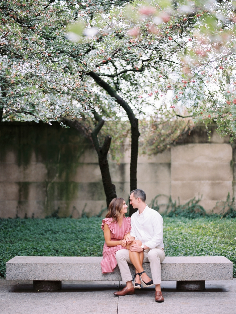 Kristin-La-Voie-Photography-chicago-art-institute-engagement-wedding-photos-31