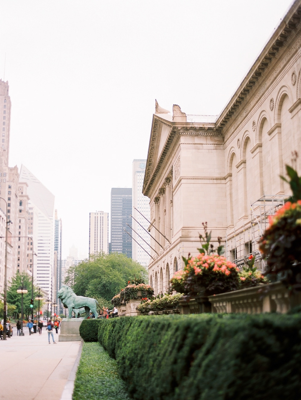 Kristin-La-Voie-Photography-chicago-art-institute-engagement-wedding-photos-39