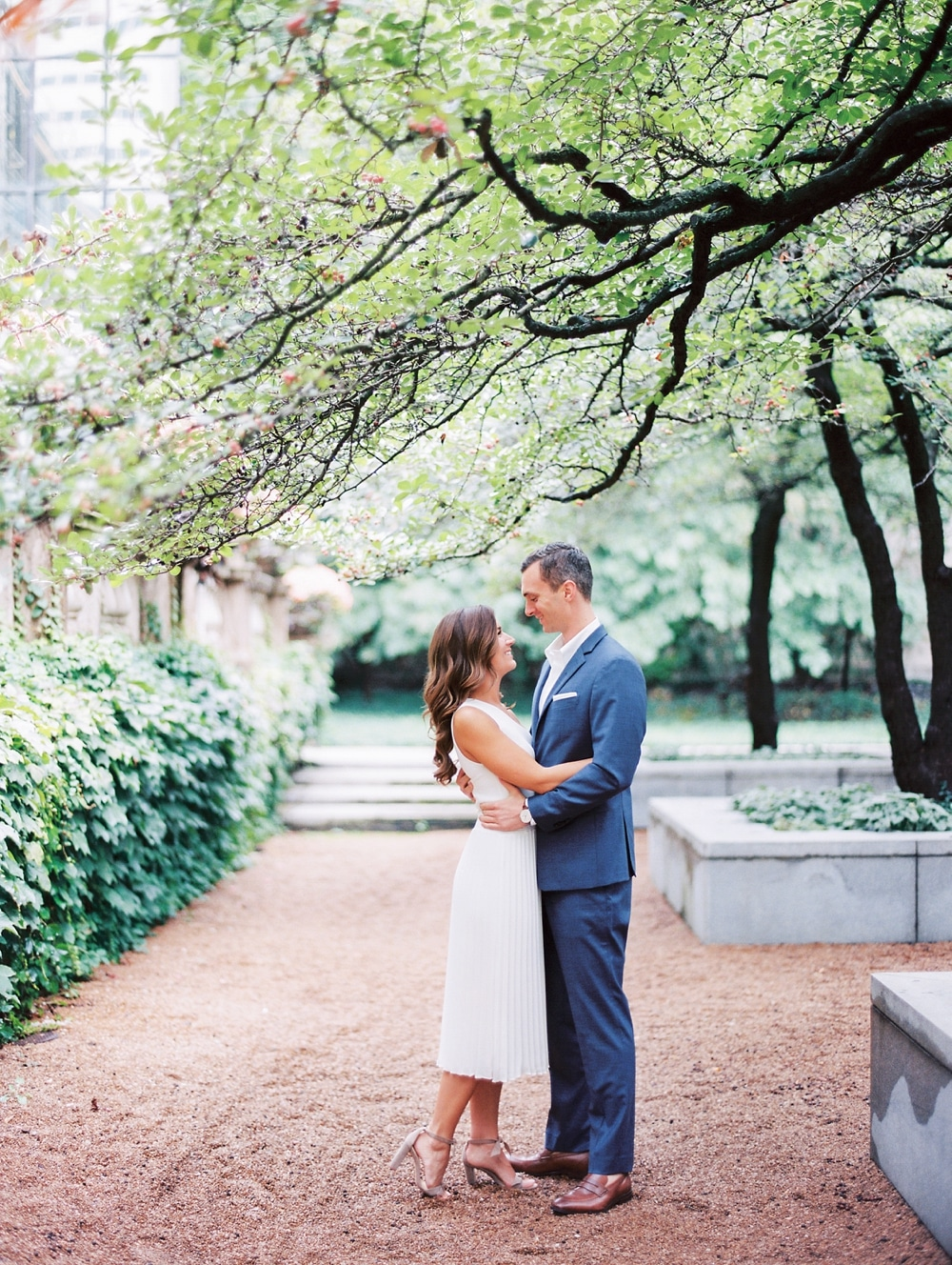 Kristin-La-Voie-Photography-chicago-art-institute-engagement-wedding-photos-40