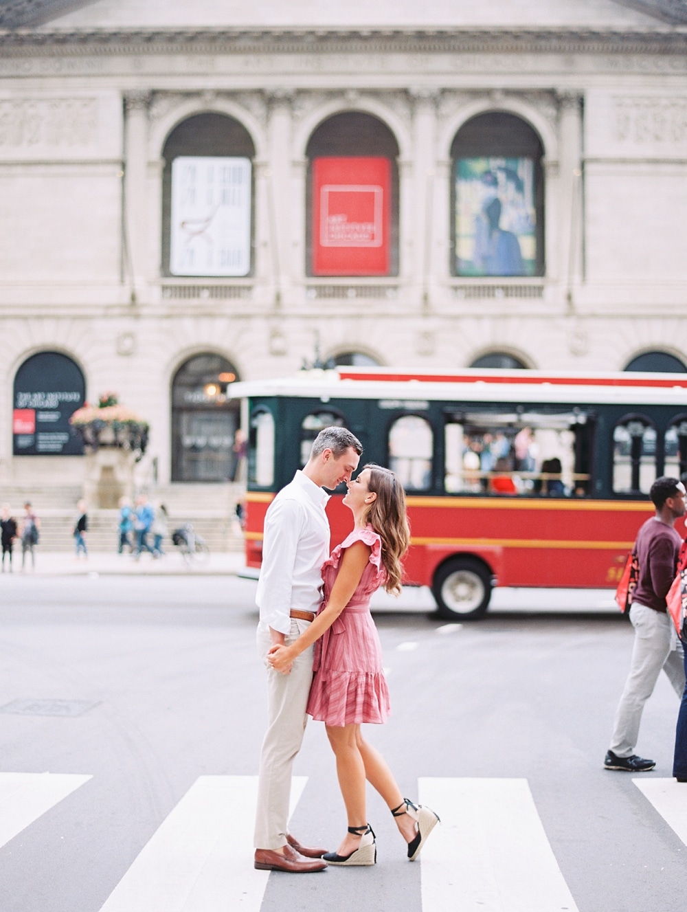 Kristin-La-Voie-Photography-chicago-art-institute-engagement-wedding-photos-45