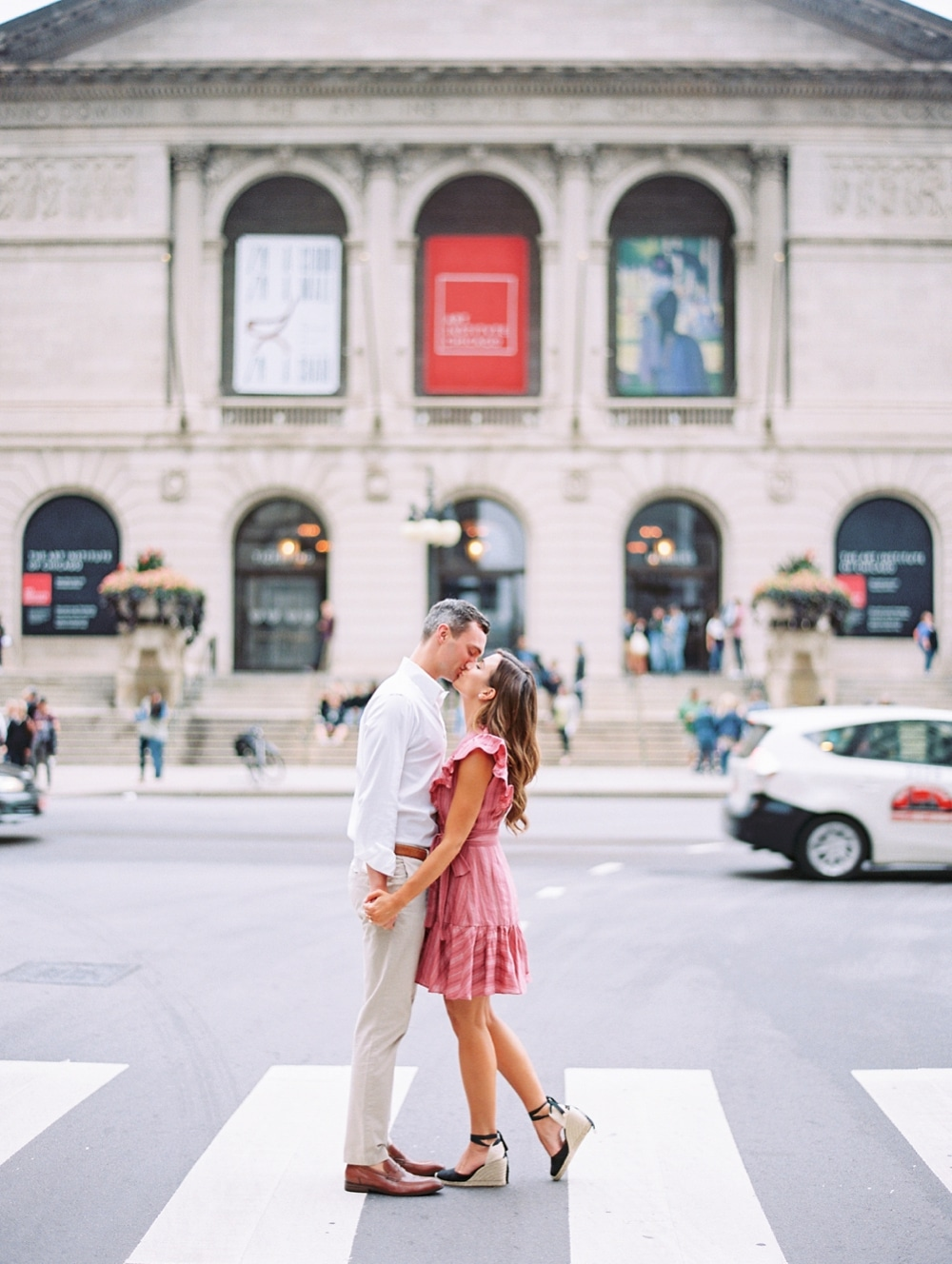Kristin-La-Voie-Photography-chicago-art-institute-engagement-wedding-photos-47