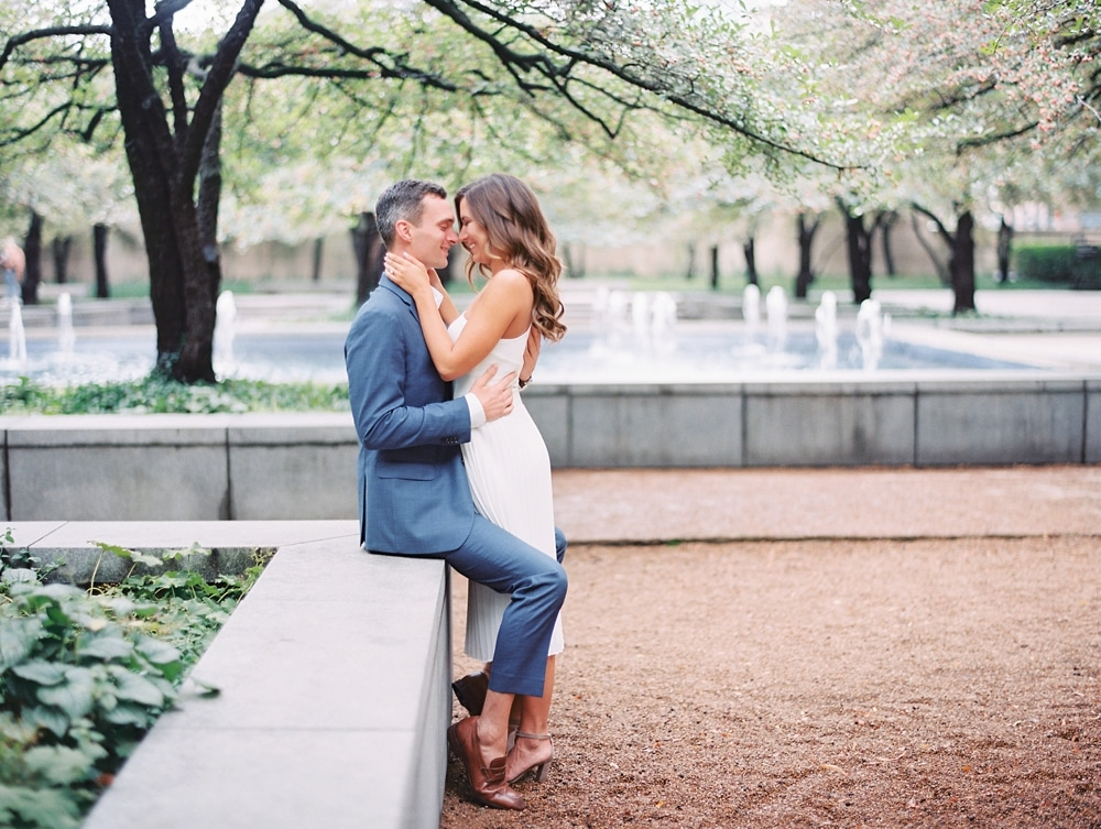 Kristin-La-Voie-Photography-chicago-art-institute-engagement-wedding-photos-63