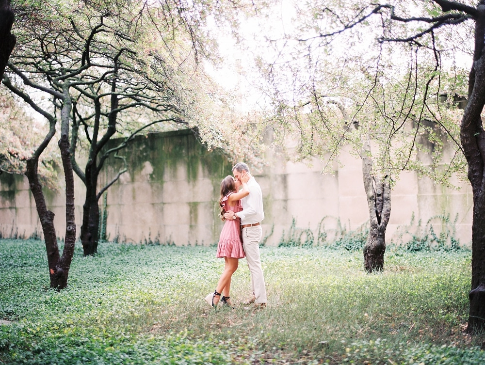 Kristin-La-Voie-Photography-chicago-art-institute-engagement-wedding-photos-73