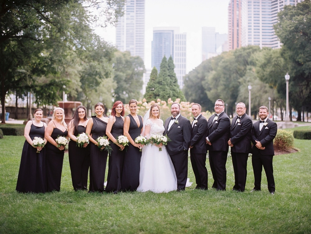Kristin-La-Voie-Photography-field-museum-chicago-wedding-photos-32
