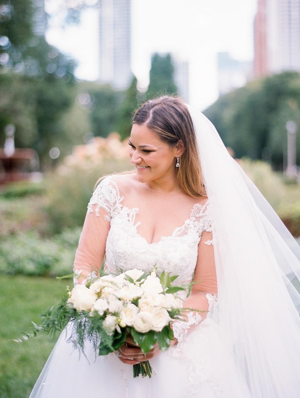 Kristin-La-Voie-Photography-field-museum-chicago-wedding-photos-87