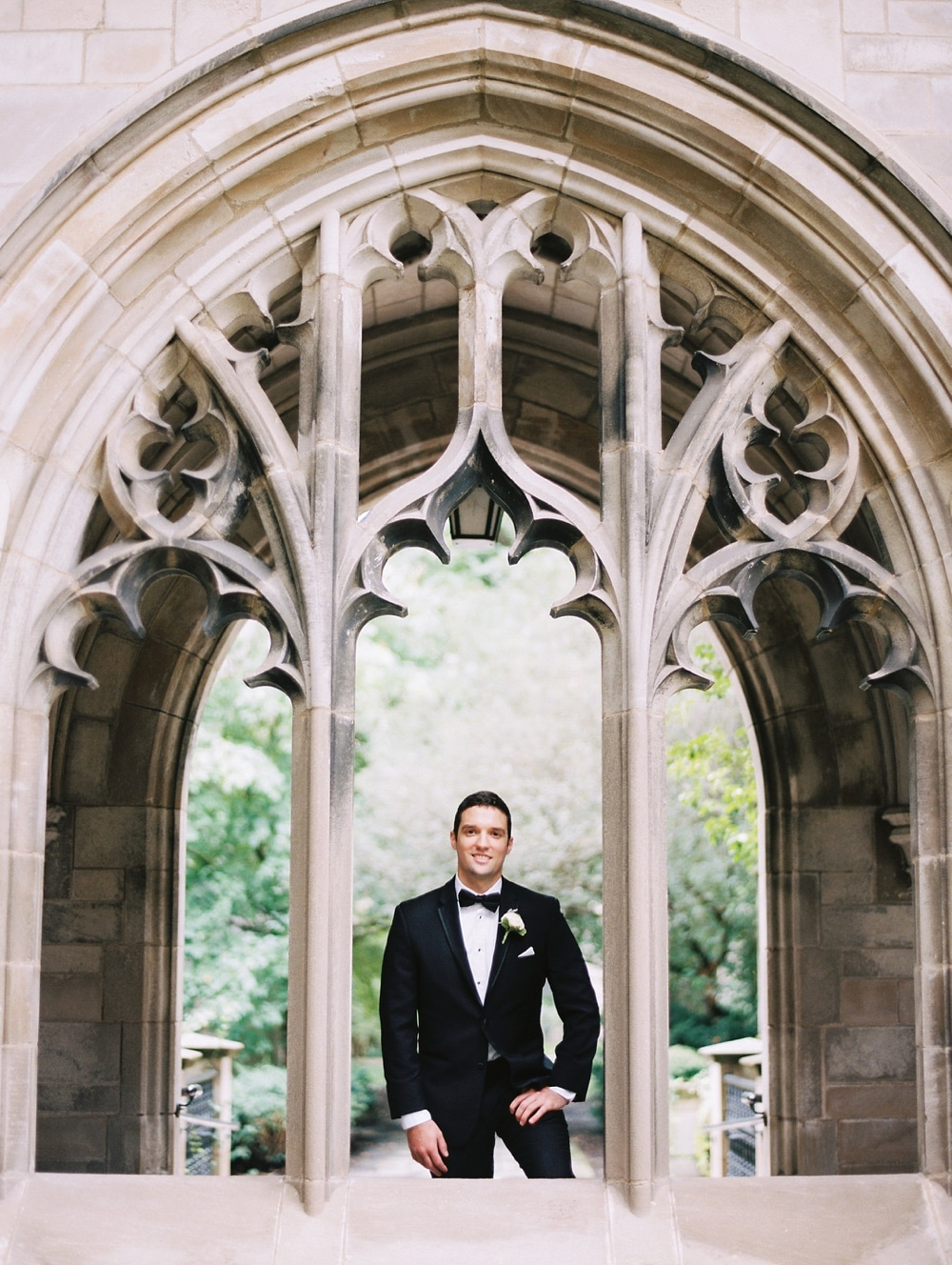 kristin-la-voie-photography-university-of-chicago-wedding-bridgeport-art-center-bond-chapel-115