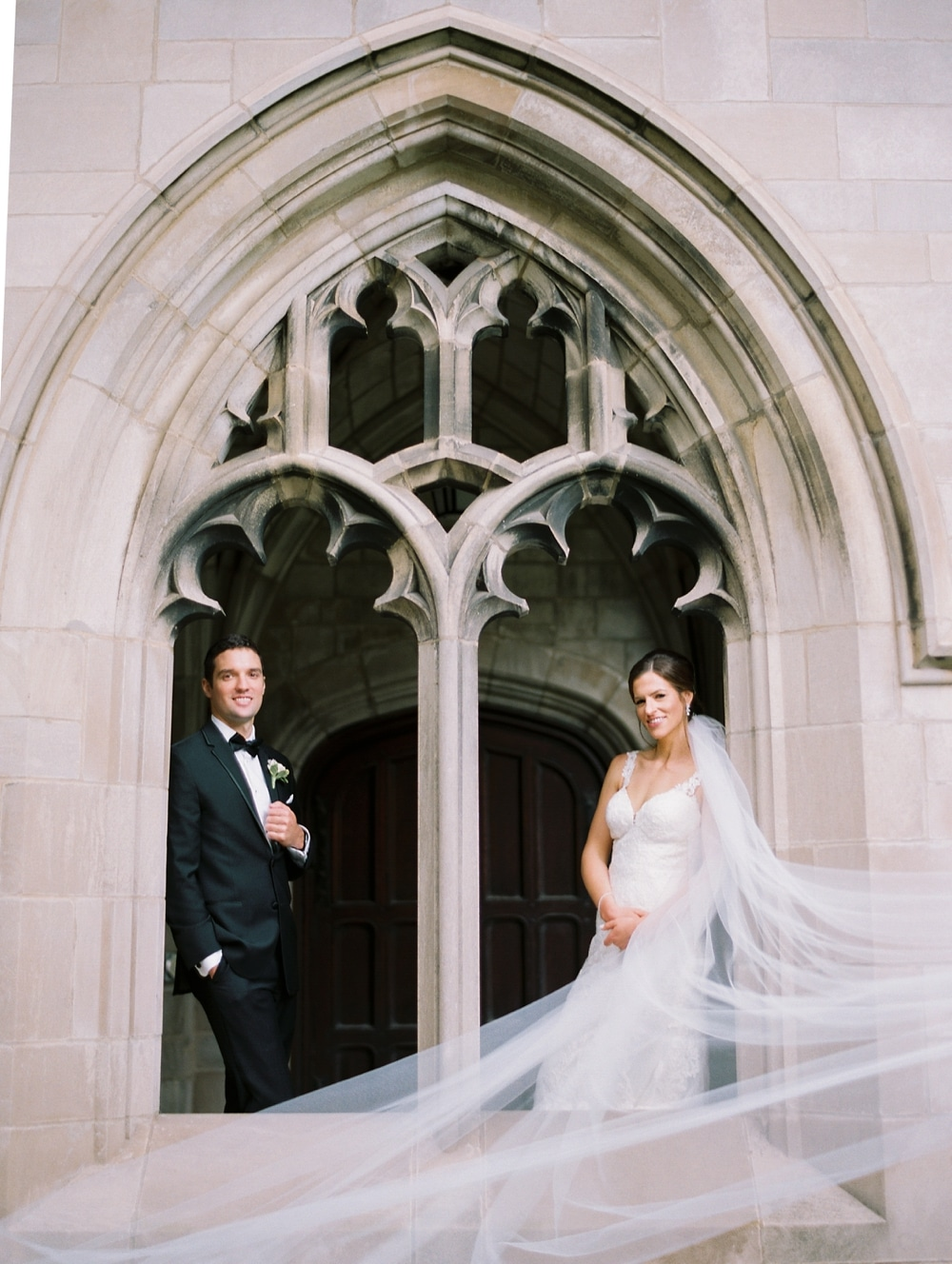 kristin-la-voie-photography-university-of-chicago-wedding-bridgeport-art-center-bond-chapel-117