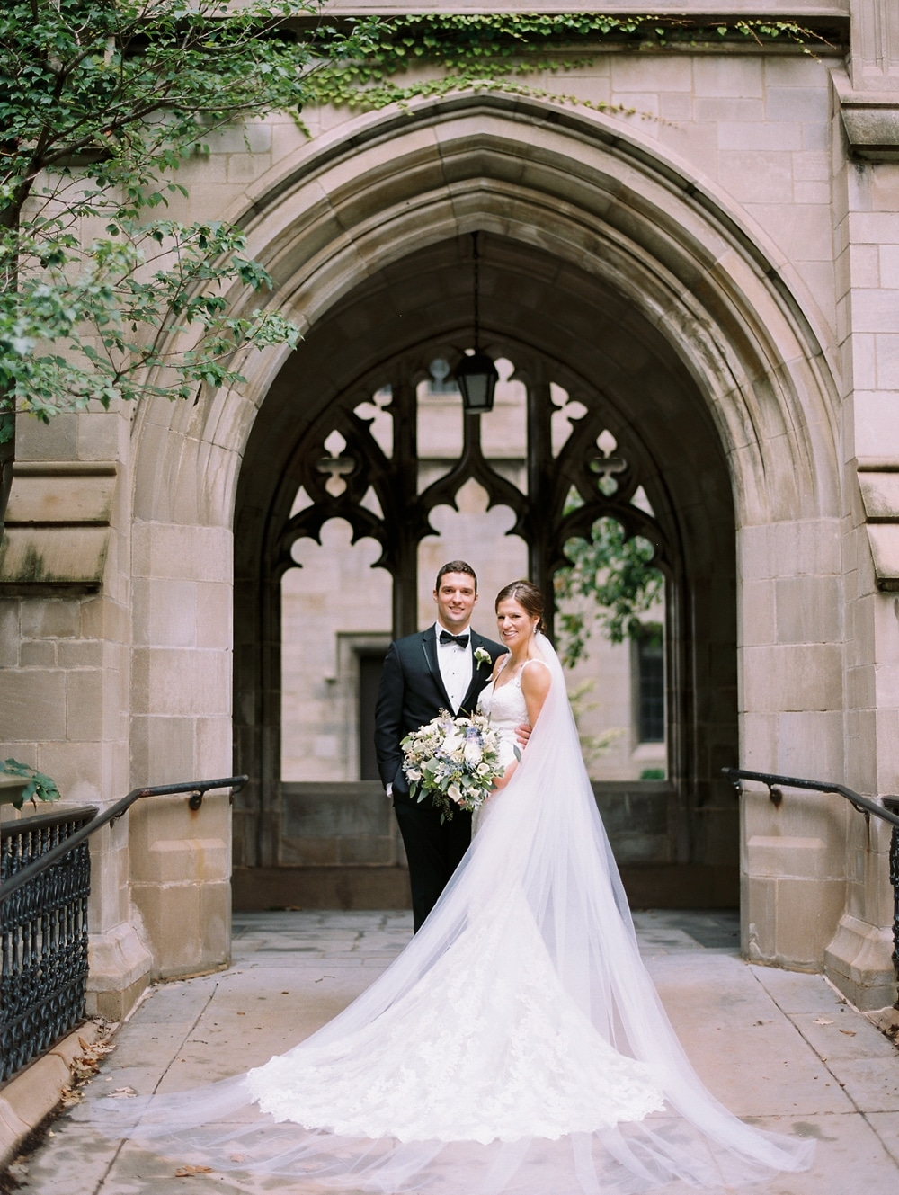 kristin-la-voie-photography-university-of-chicago-wedding-bridgeport-art-center-bond-chapel-143