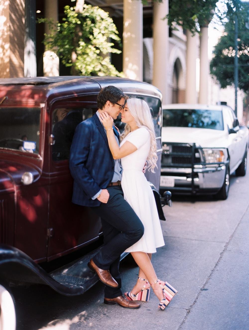 kristin-la-voie-photography-austin-wedding-photographer-the-driskill-35