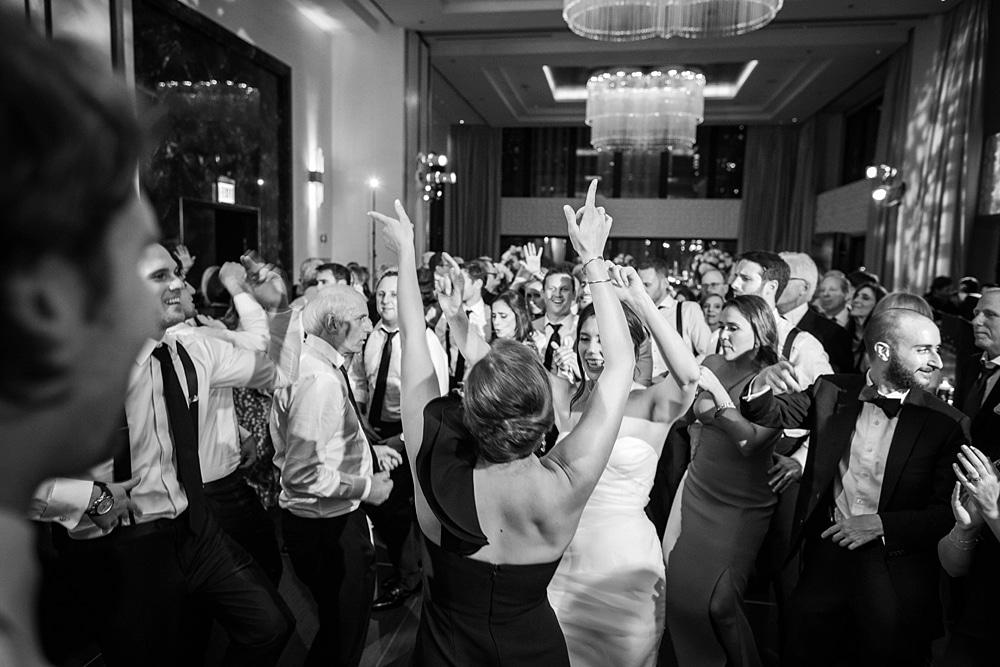 kristin-la-voie-photography-chicago-wedding-photographer-langham-hotel-114