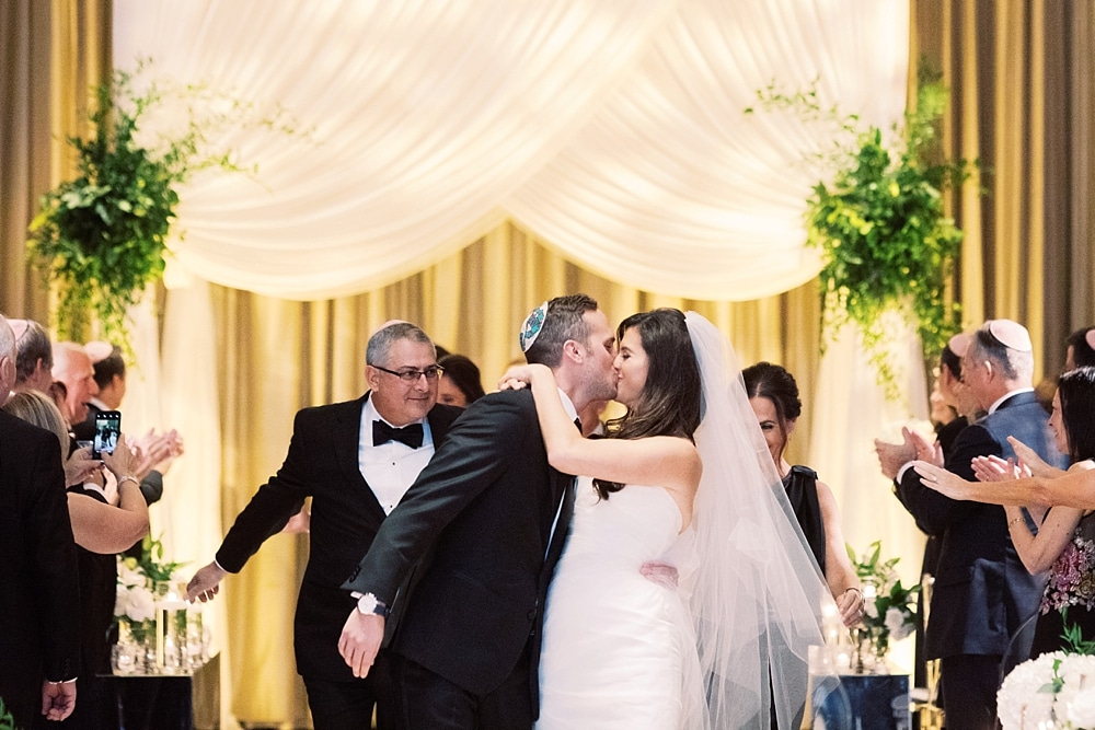 kristin-la-voie-photography-chicago-wedding-photographer-langham-hotel-79