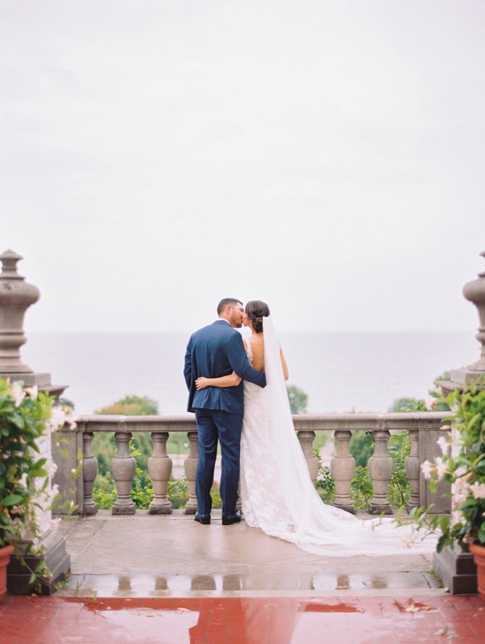 Kristin La Voie Photography – Milwaukee Villa Terrace Wedding-82