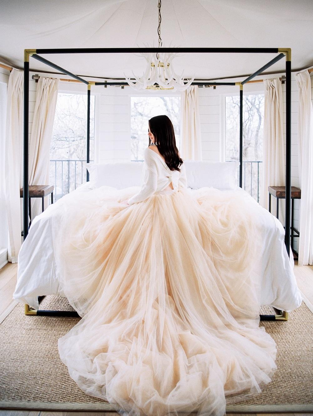 Kristin-La-Voie-Photography-fine-art-wedding-bridal-boudoir-texas-photographer-Dallas-Austin-San-Marcos-wahwahtaysee-resort-1-2