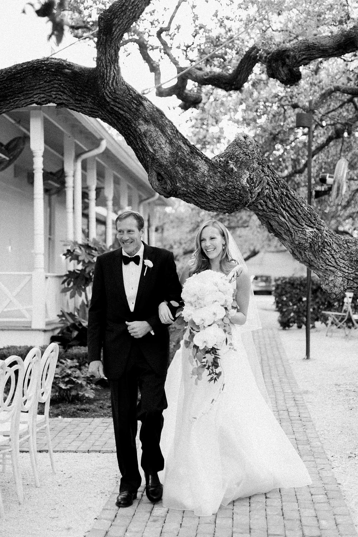 kristin-la-voie-photography-Austin-wedding-photographer-matties-green-pastures-418