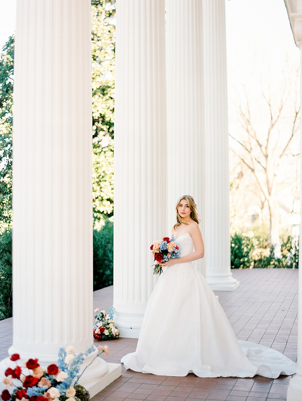 kristin-la-voie-photography-austin-wedding-photographer-woodbine-mansion-18