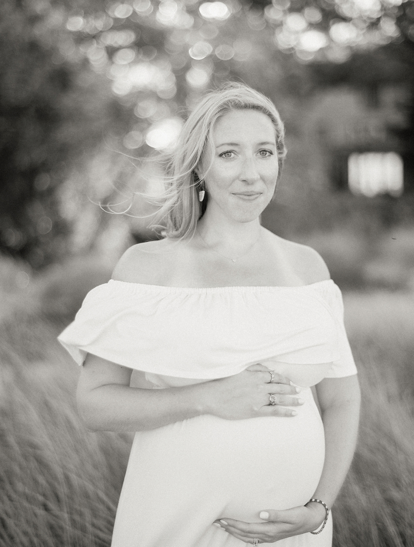 Kristin-La-Voie-Photography-CHICAGO-MATERNITY-PHOTOGRAPHER-EVANSTON-LIGHTHOUSE-BEACH-93