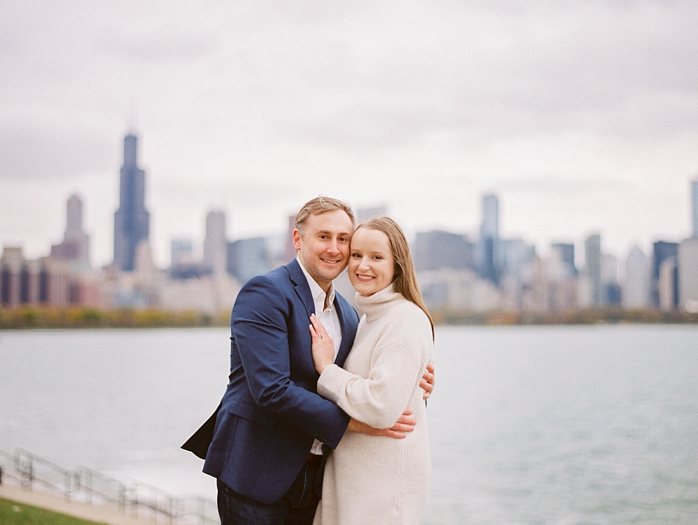 kristin-la-voie-photography-chicago-Wedding-Photographer-museum-campus-adler-planetarium-engagement-22