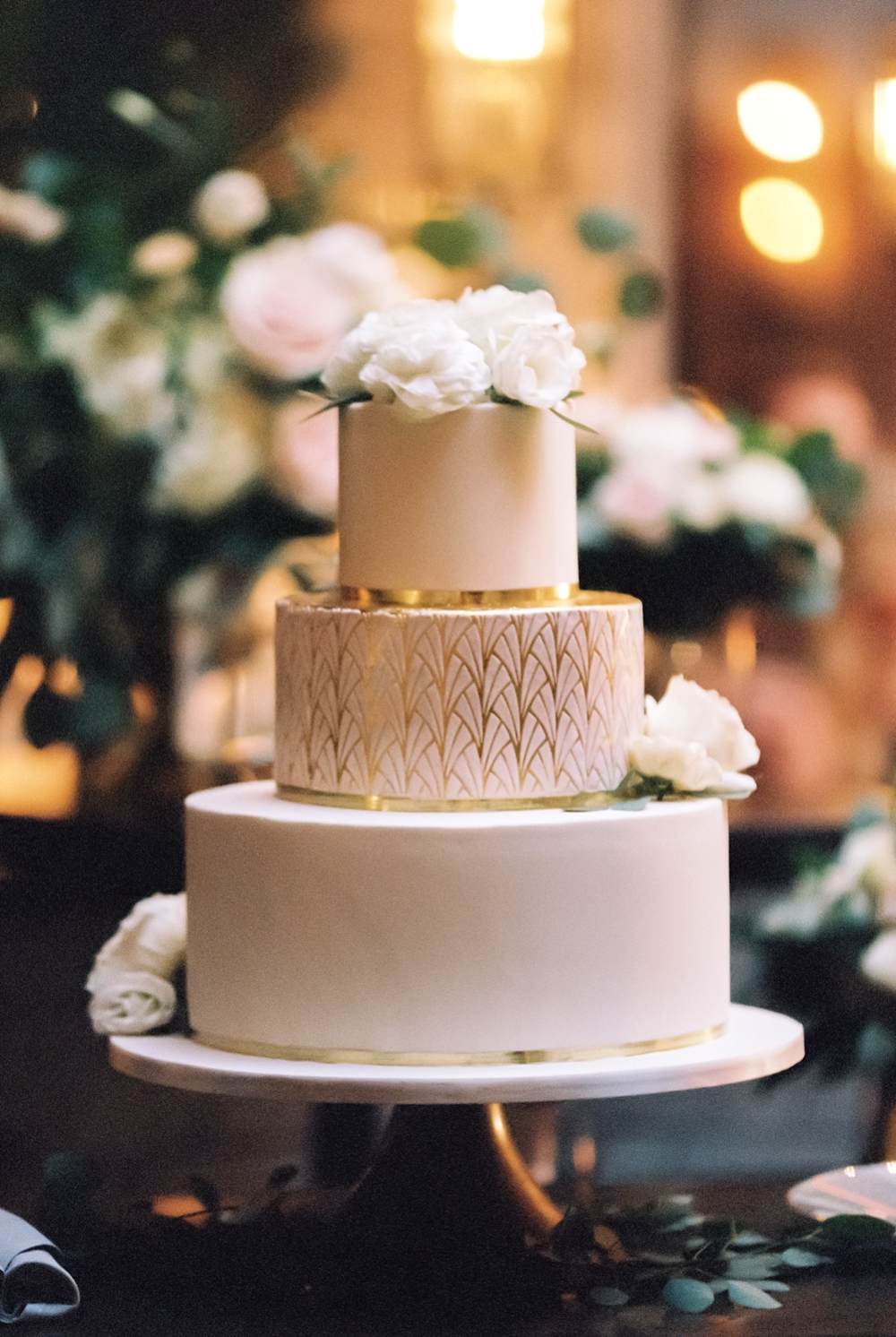 kristin-la-voie-photography-chicago-Wedding-Photographer-kimpton-gray-hotel-1