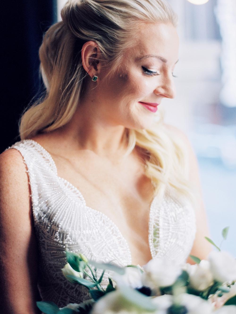 kristin-la-voie-photography-chicago-Wedding-Photographer-kimpton-gray-hotel-2