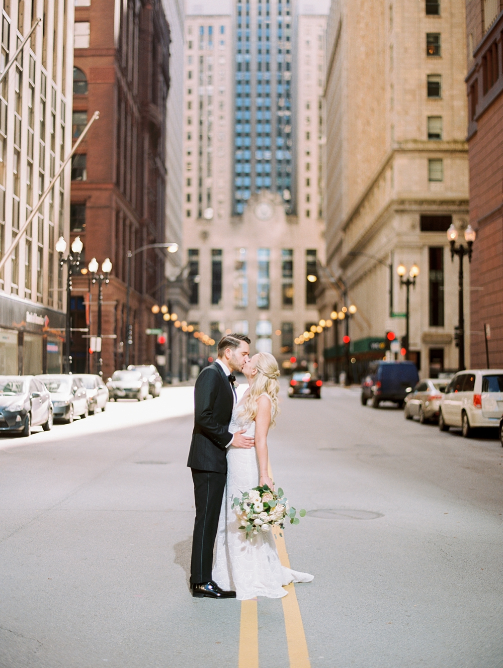 kristin-la-voie-photography-chicago-Wedding-Photographer-kimpton-gray-hotel-20