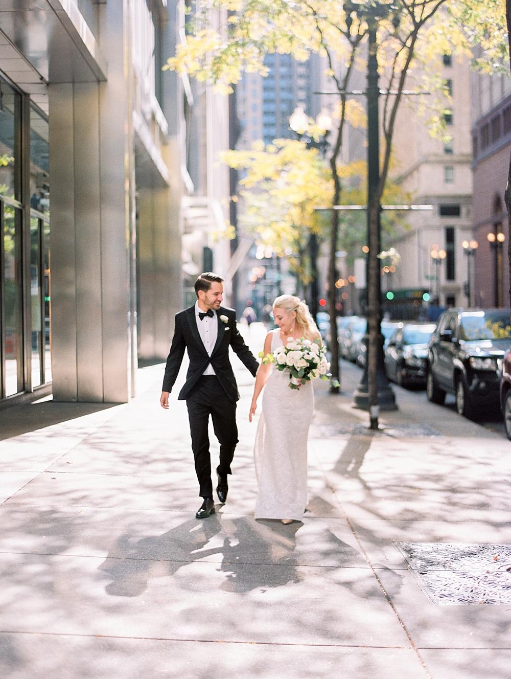 kristin-la-voie-photography-chicago-Wedding-Photographer-kimpton-gray-hotel-24