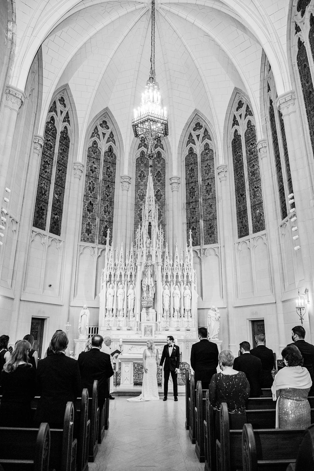 kristin-la-voie-photography-chicago-Wedding-Photographer-kimpton-gray-hotel-29