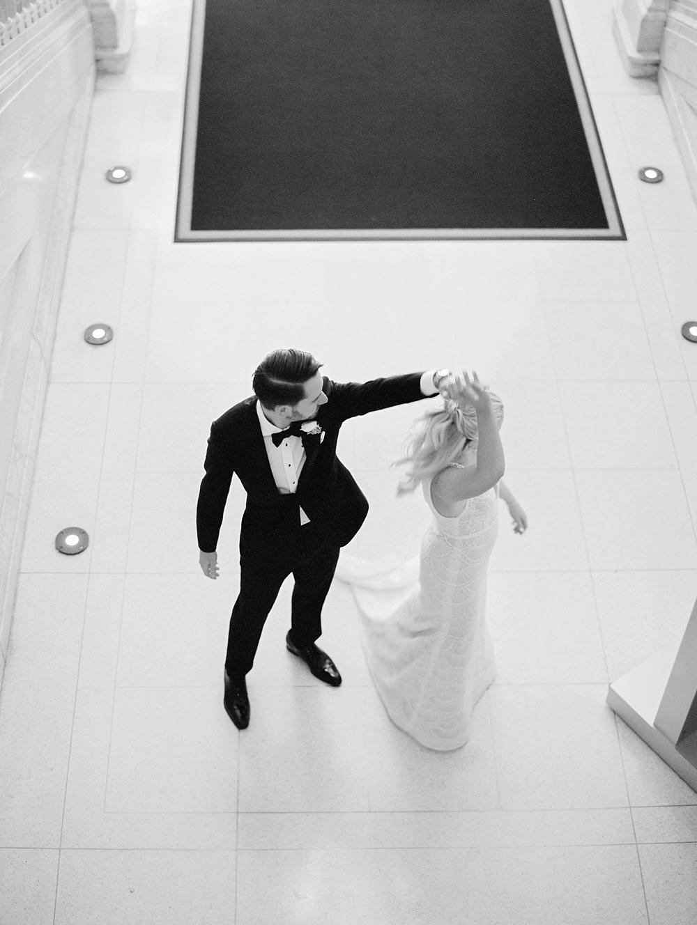 kristin-la-voie-photography-chicago-Wedding-Photographer-kimpton-gray-hotel-47