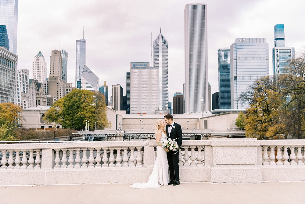 kristin-la-voie-photography-chicago-Wedding-Photographer-kimpton-gray-hotel-82