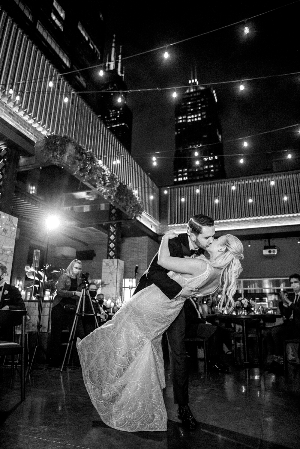 kristin-la-voie-photography-chicago-Wedding-Photographer-kimpton-gray-hotel-89