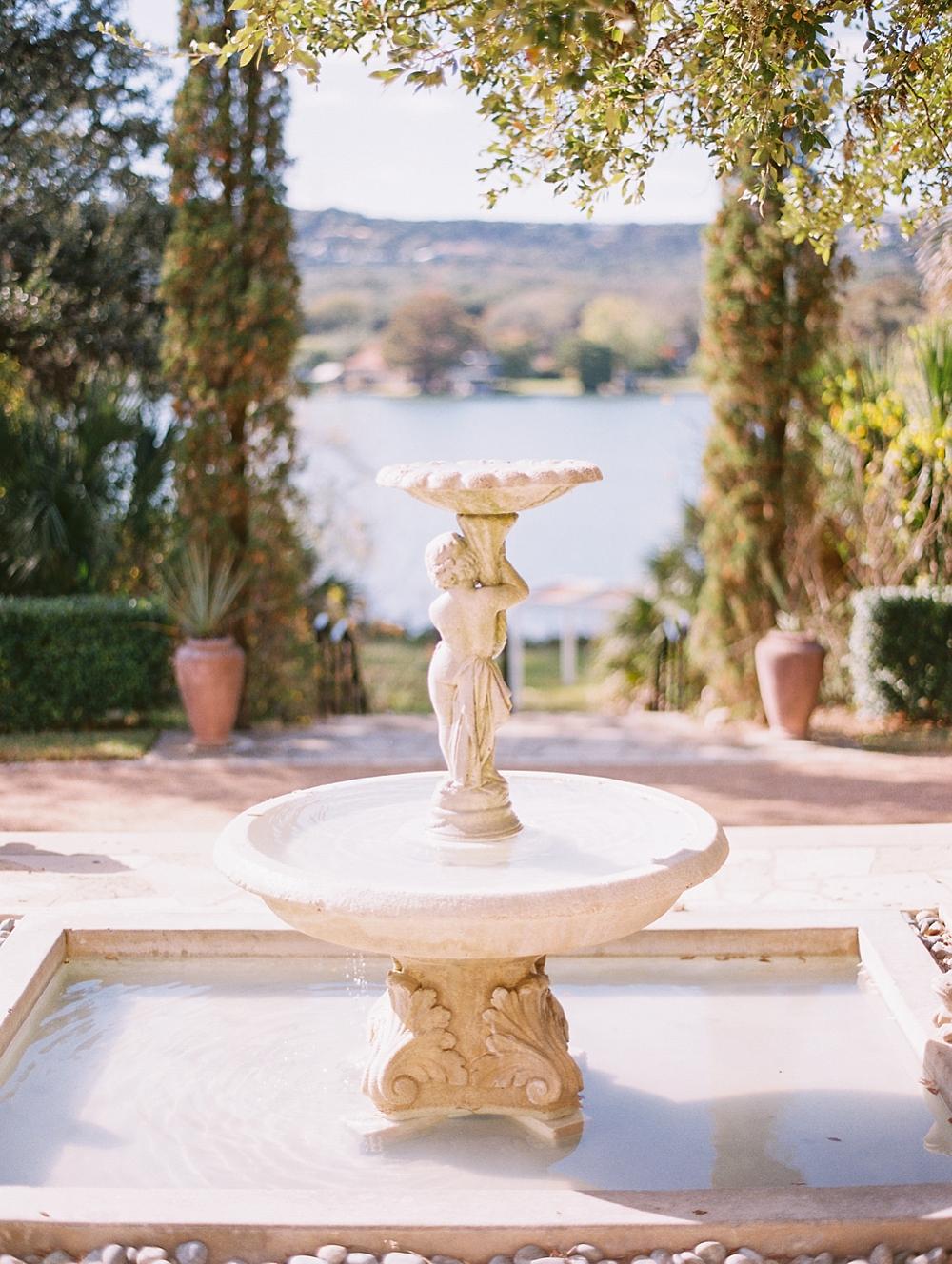 kristin-la-voie-photography-Austin-Wedding-Photographer-laguna-gloria-commodore-perry-estate-engagement-100