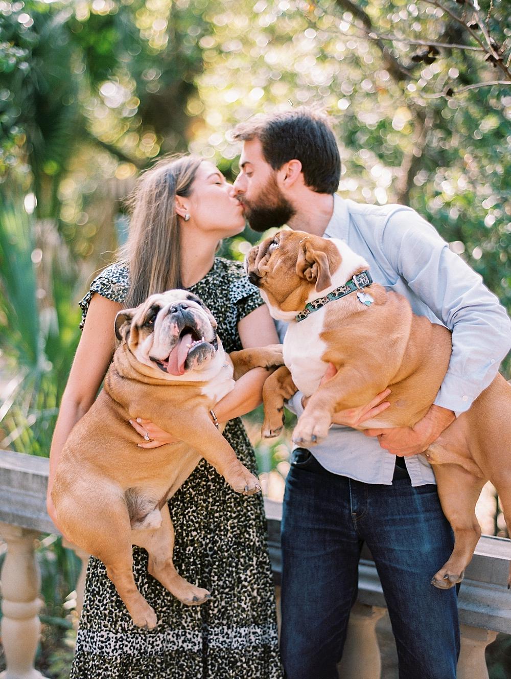 kristin-la-voie-photography-Austin-Wedding-Photographer-laguna-gloria-commodore-perry-estate-engagement-11