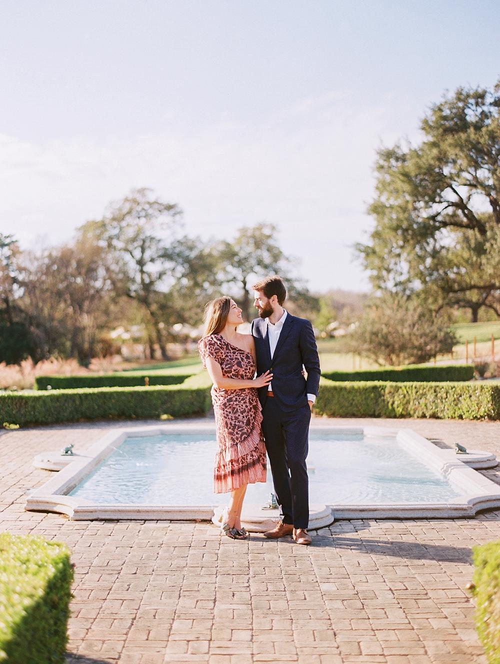 kristin-la-voie-photography-Austin-Wedding-Photographer-laguna-gloria-commodore-perry-estate-engagement-111