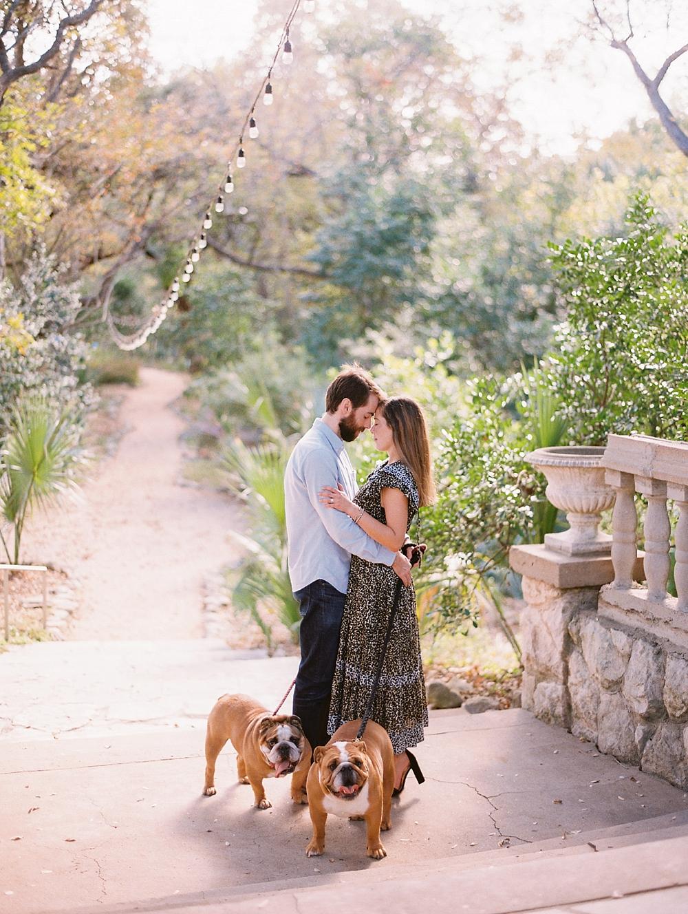 kristin-la-voie-photography-Austin-Wedding-Photographer-laguna-gloria-commodore-perry-estate-engagement-126