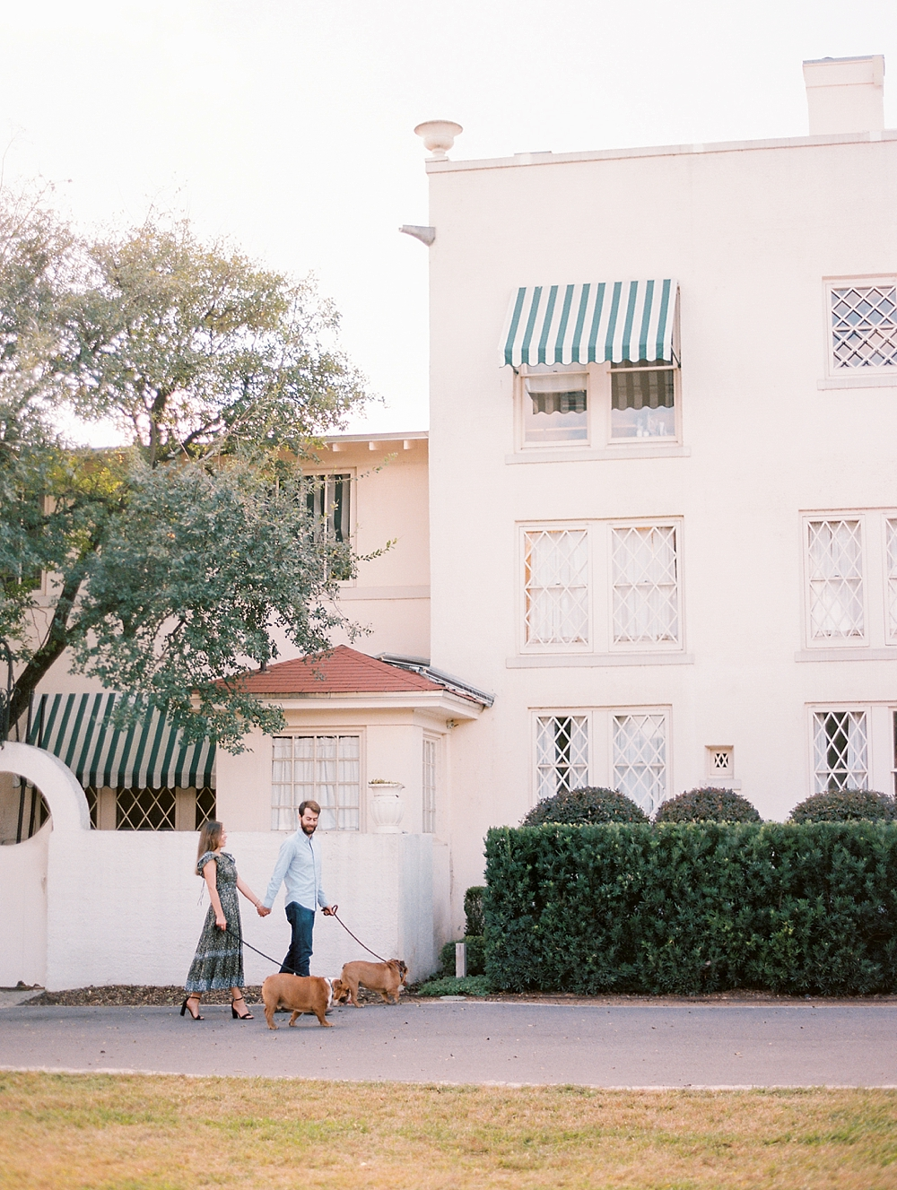 kristin-la-voie-photography-Austin-Wedding-Photographer-laguna-gloria-commodore-perry-estate-engagement-45