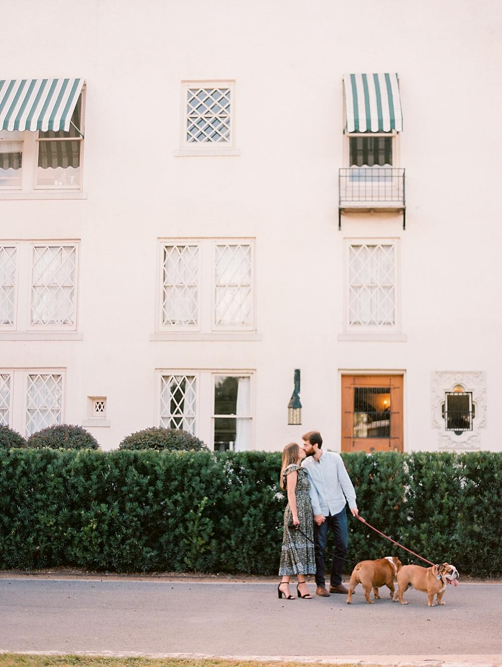 kristin-la-voie-photography-Austin-Wedding-Photographer-laguna-gloria-commodore-perry-estate-engagement-47