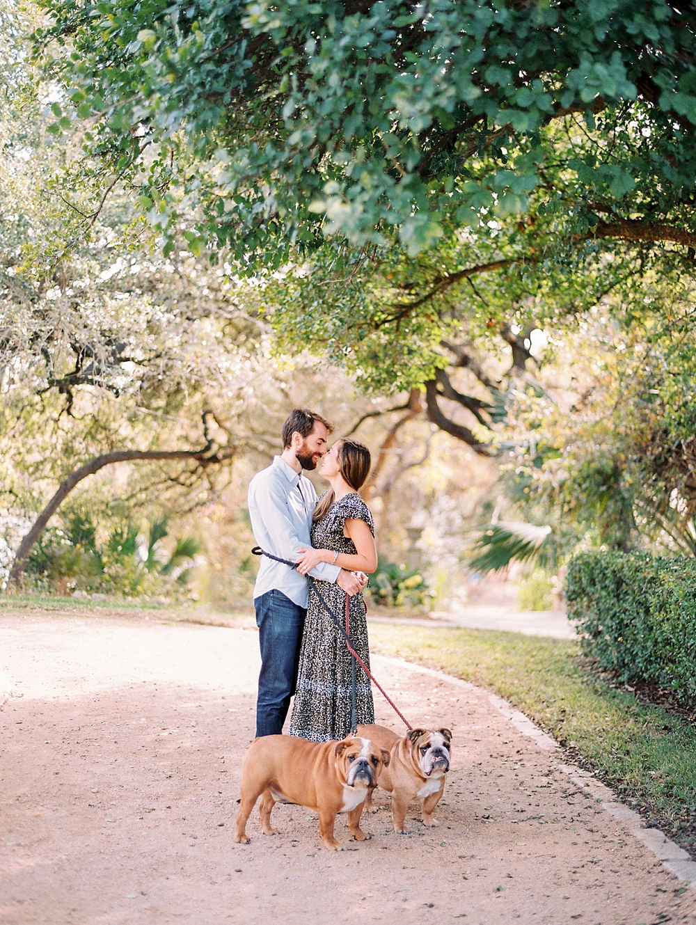 kristin-la-voie-photography-Austin-Wedding-Photographer-laguna-gloria-commodore-perry-estate-engagement-76