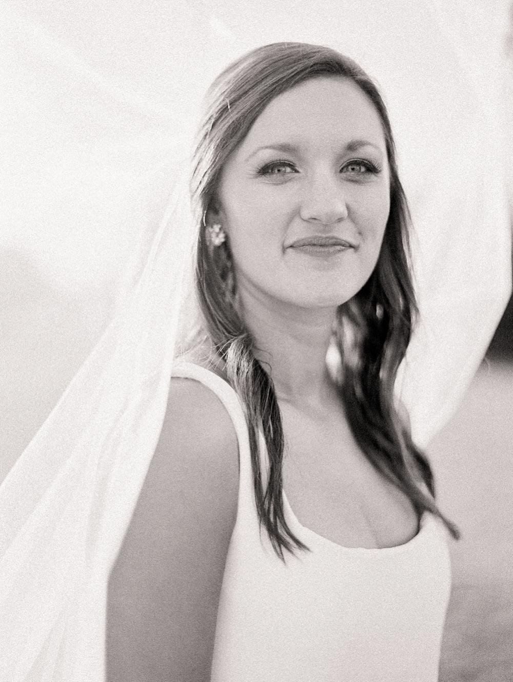 Kristin-La-Voie-Photography-austin-houston-texas-wedding-photographer-the-oaks-at-high-hill -21
