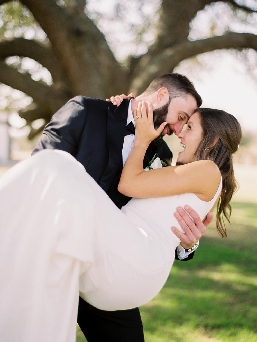 Kristin-La-Voie-Photography-austin-houston-texas-wedding-photographer-the-oaks-at-high-hill -51