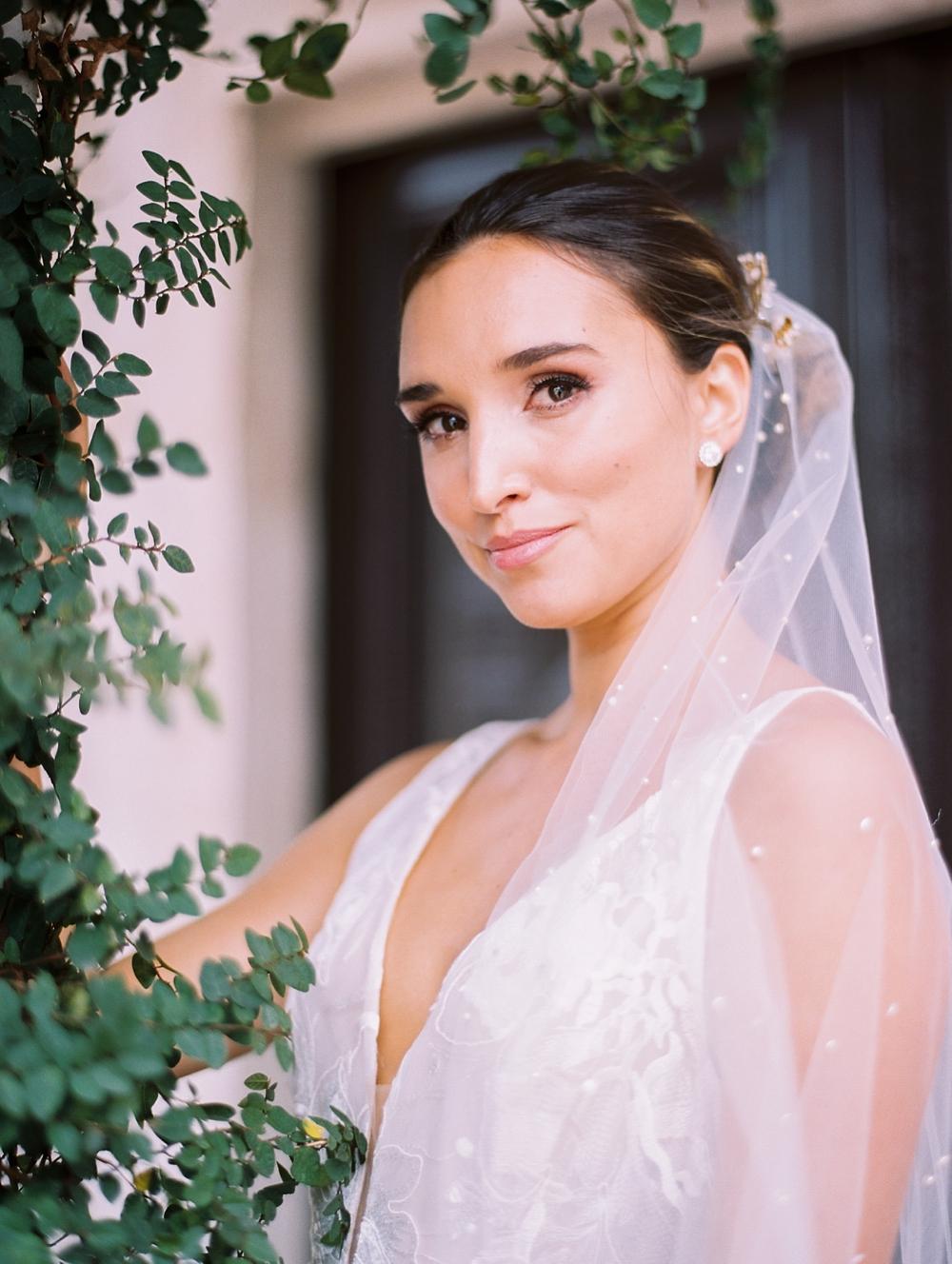 kristin-la-voie-photography-Austin-Wedding-Photographer-Villa-Antonia-18