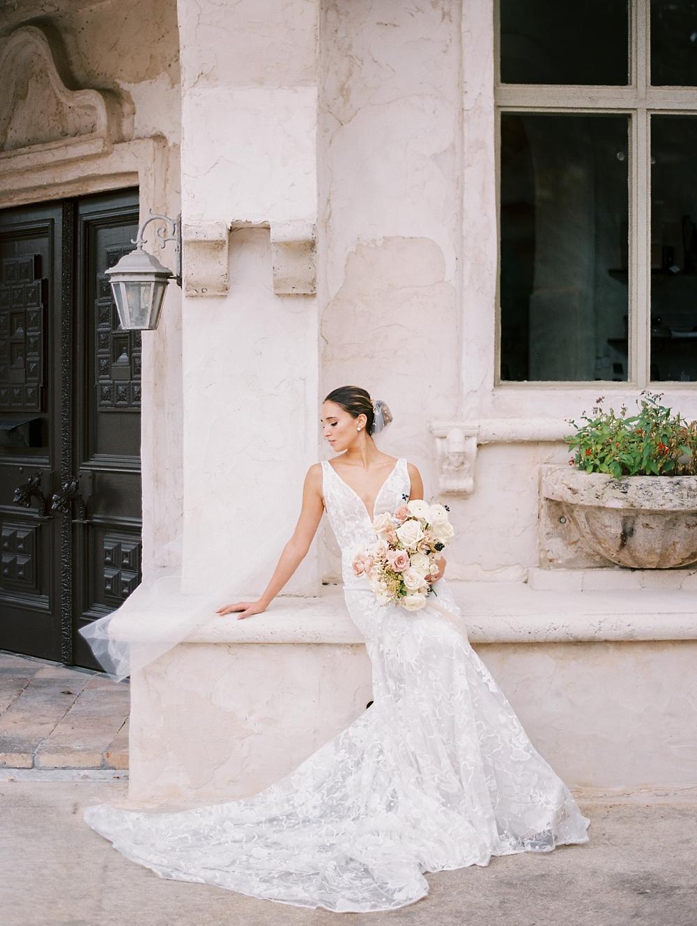 kristin-la-voie-photography-Austin-Wedding-Photographer-Villa-Antonia-328