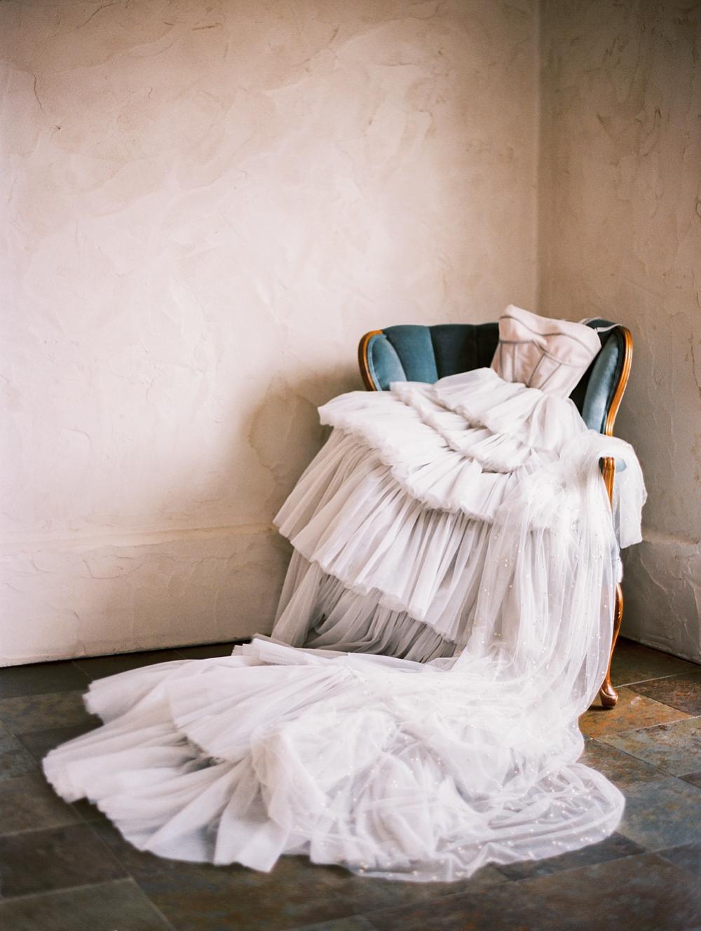 kristin-la-voie-photography-Austin-Wedding-Photographer-Villa-Antonia-36
