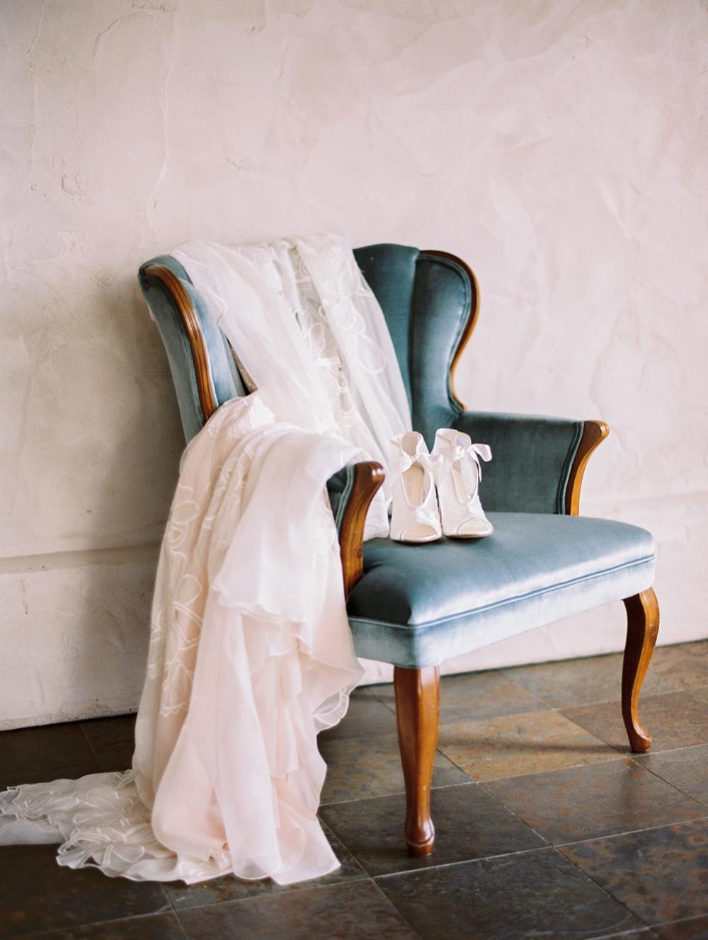 kristin-la-voie-photography-Austin-Wedding-Photographer-Villa-Antonia-39