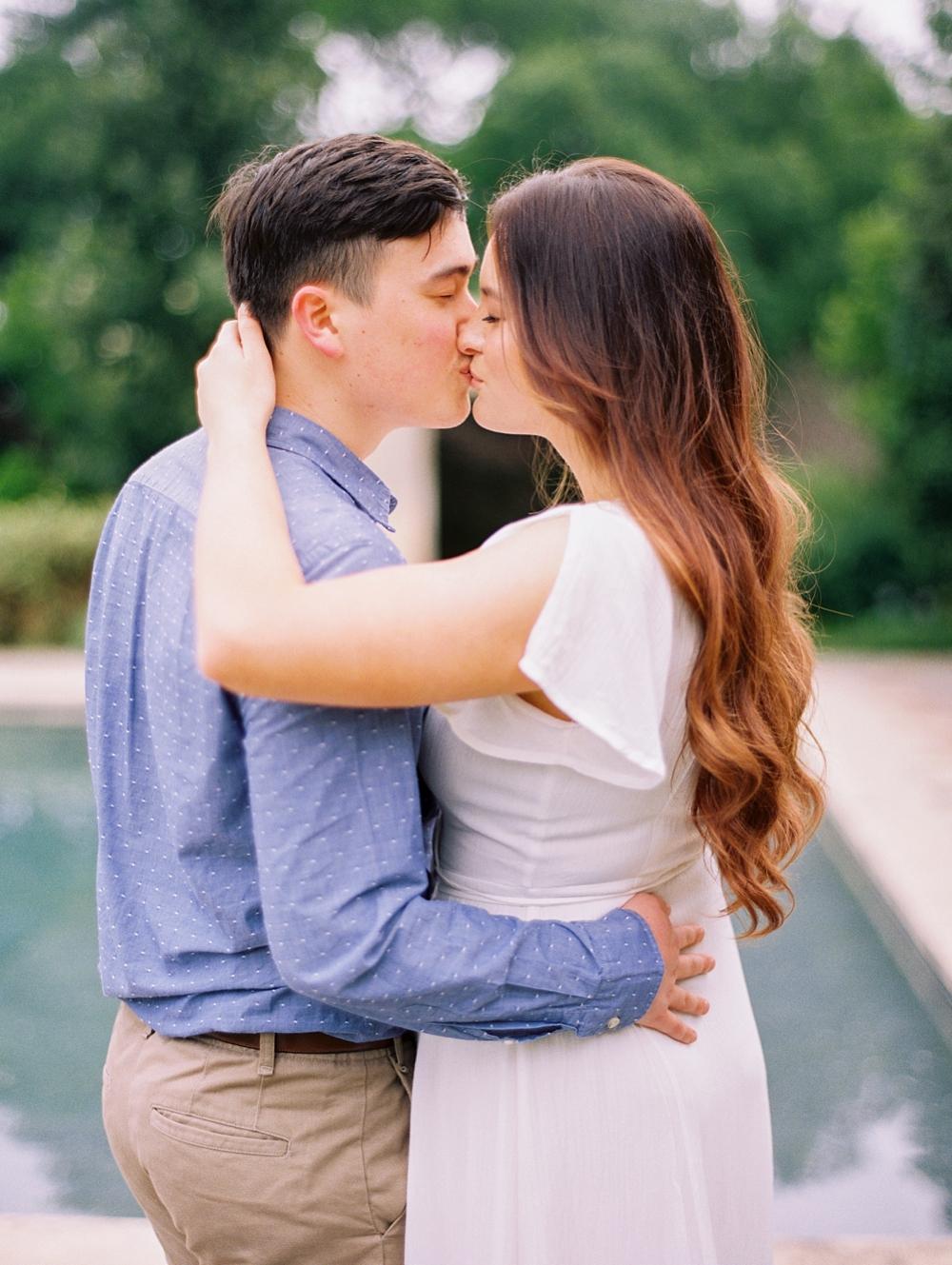 kristin-la-voie-photography-Dallas-wedding-photographer-Arboretum-57