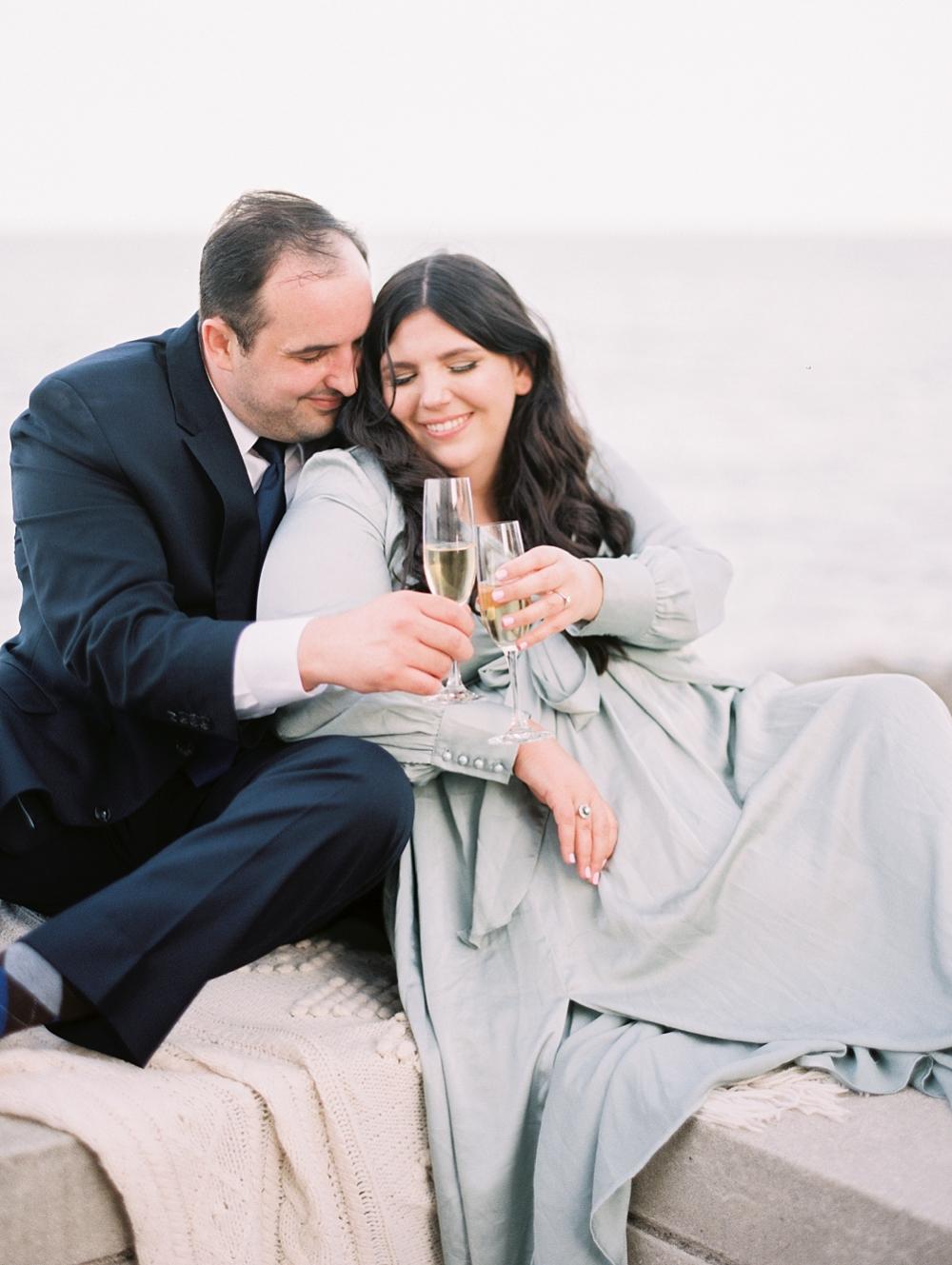 kristin-la-voie-photography-chicago-wedding-photographer-loyola-engagement-15